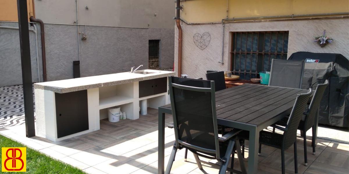 Cucina esterna realizzata con Palazzetti